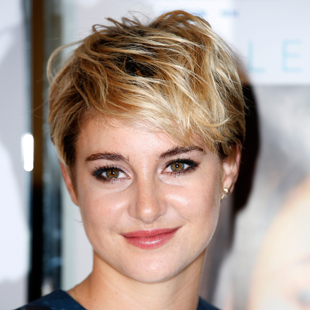 coiffure shailene woodley sa coupe de cheveux fait des. Black Bedroom Furniture Sets. Home Design Ideas