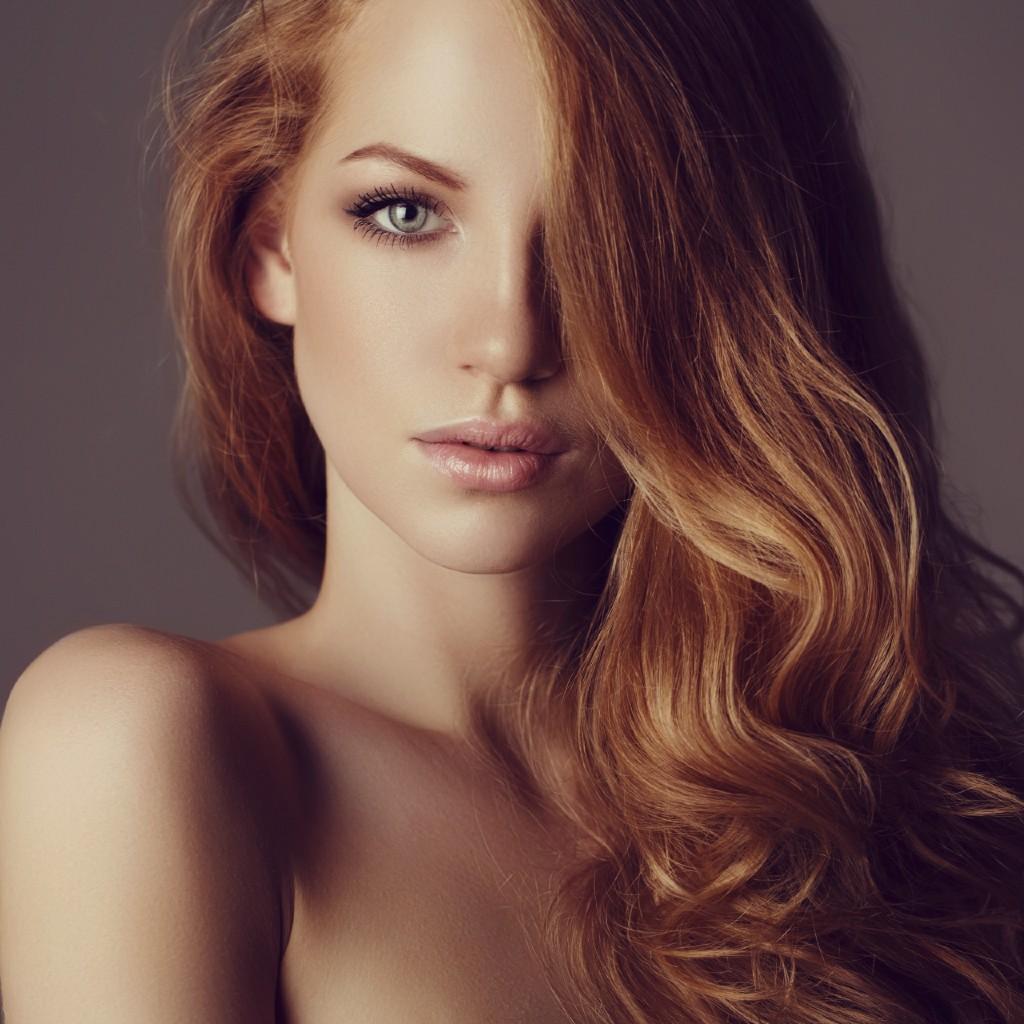 Huile de ricin : pourquoi et comment l'utiliser sur les cheveux ? - Elle