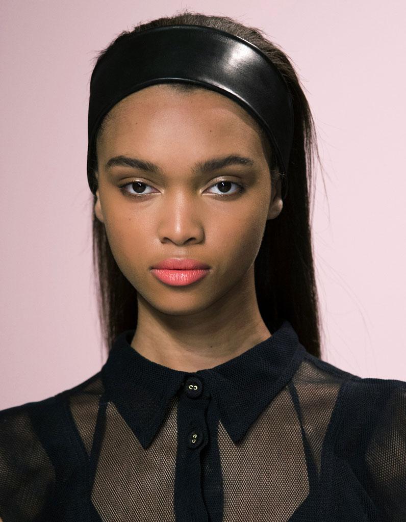 Bandeau cheveux hiver - 20 coiffures avec un bandeau qui donnent du style -  Elle 30931a2b07c