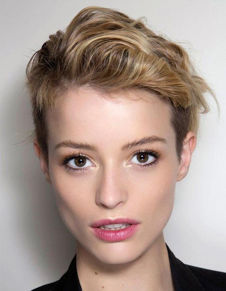 Coiffure courte pour femme t 2016 les plus belles for Coupe de cheveux pour noel femme