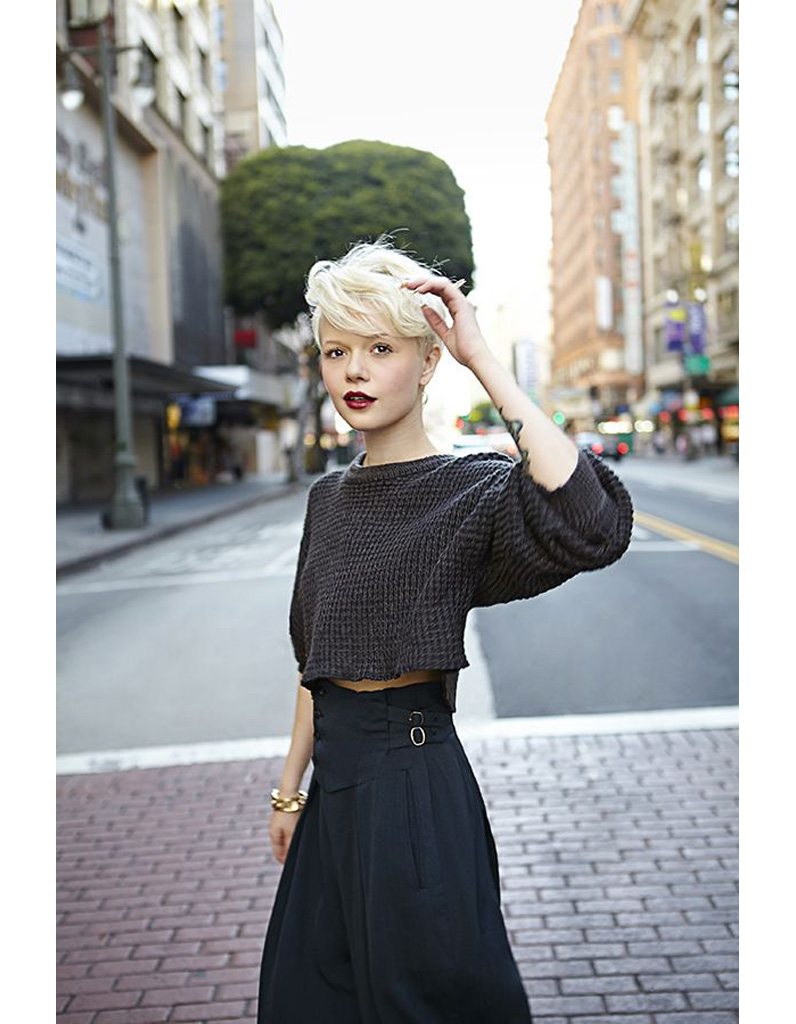 Coupe courte femme blond blanc