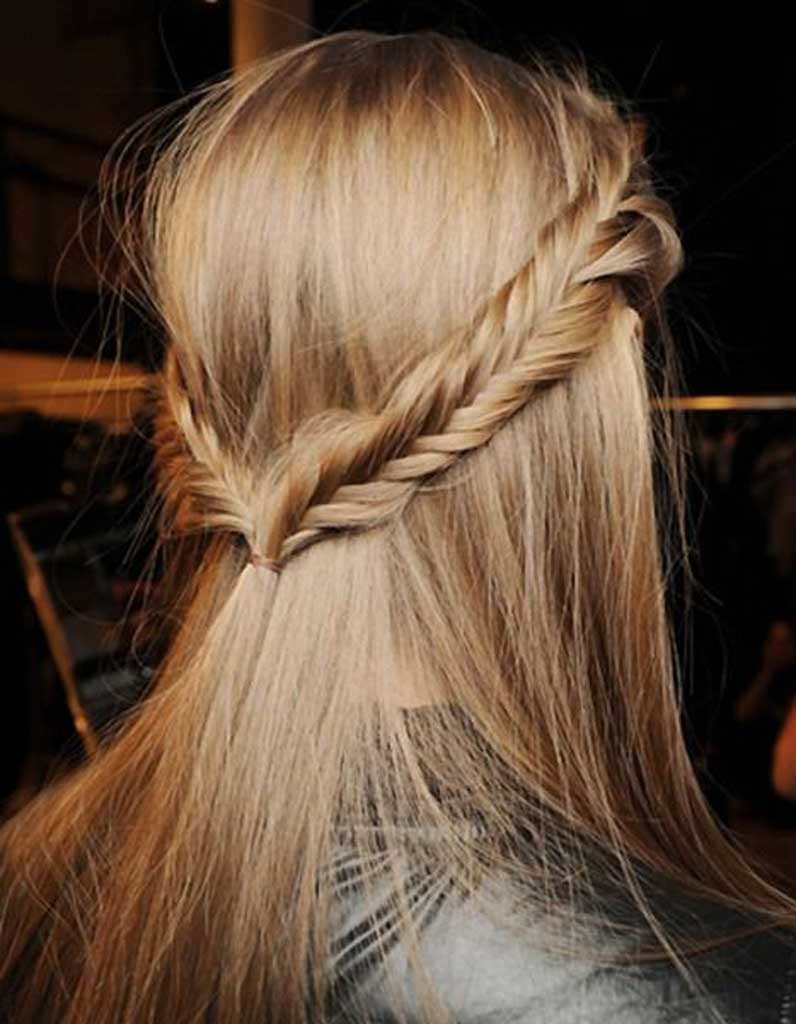 Coiffure pour un mariage cheveu mi long