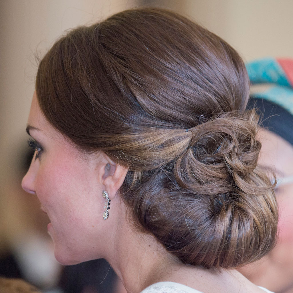Chignon Kate Middleton  comment faire le chignon de Kate Middleton , Elle