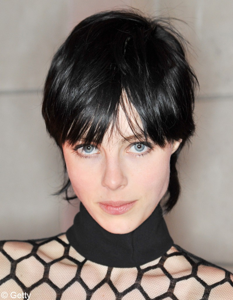 Edie campbell quotes quotesgram - Coupe courte black ...