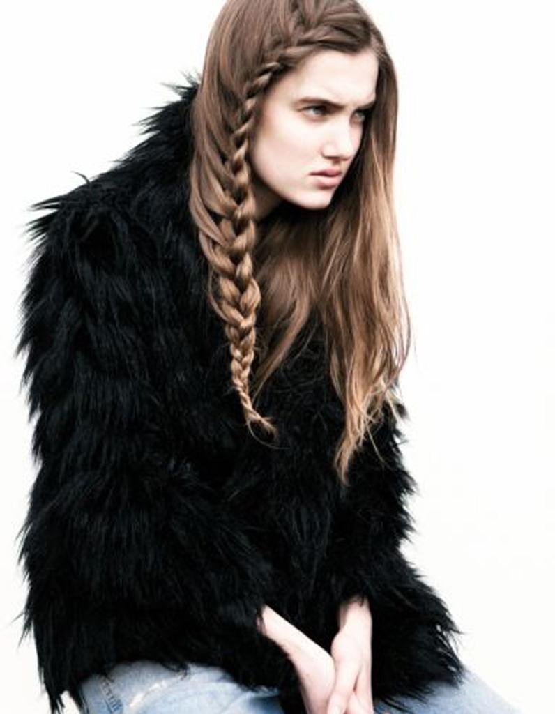 Idée de coiffure naturelle cheveux longs , 25 idées de coiffures naturelles  pour se sentir belle , Elle