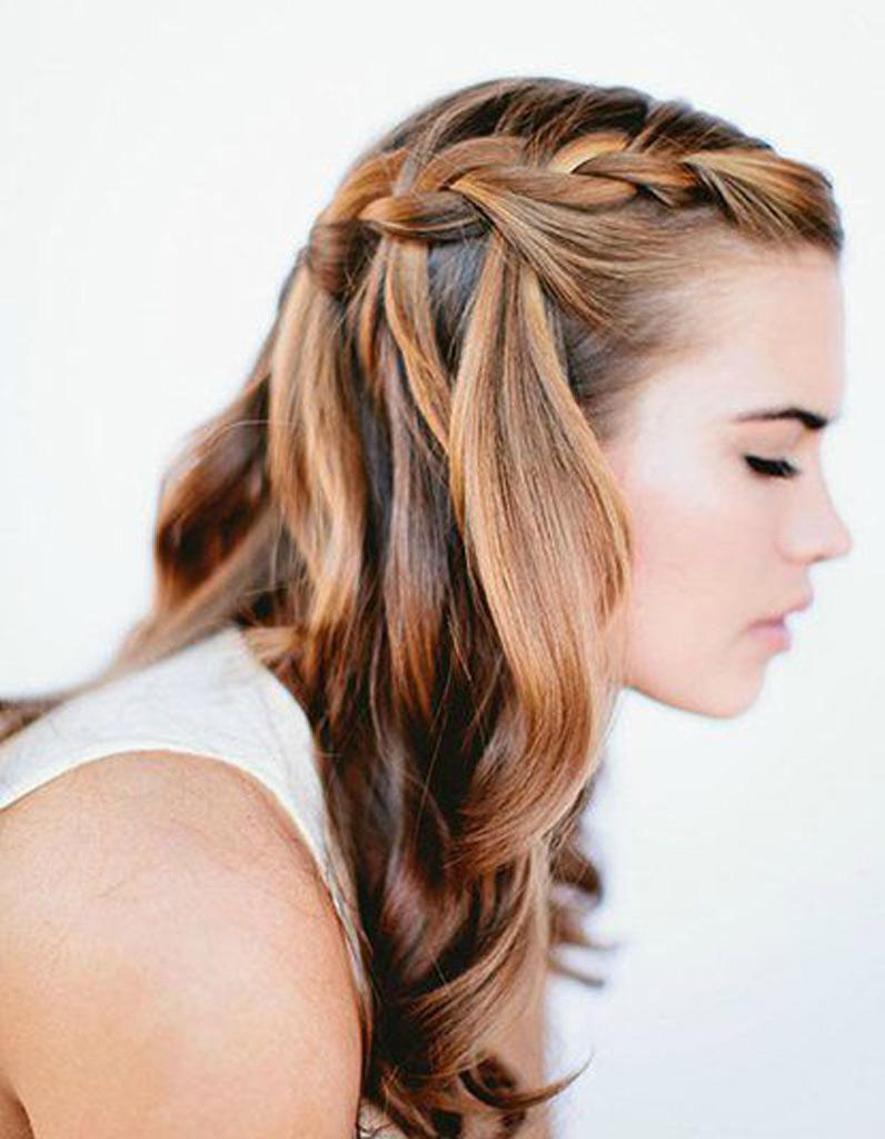 Coiffure cheveux ondules mi long
