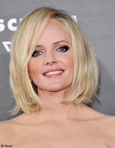 beaute tendance cheveux coiffure coupe carre people marley shelton cheveux 30 coupes au. Black Bedroom Furniture Sets. Home Design Ideas