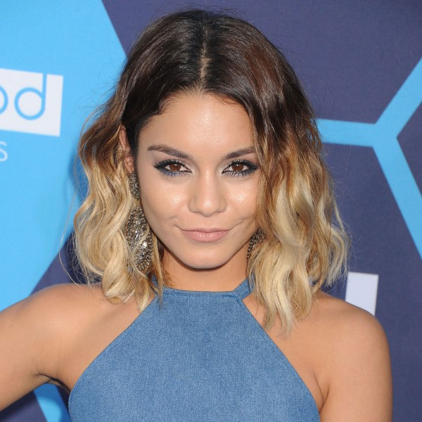 le carr flou de vanessa hudgens le carr flou nouvelle coupe pr f r e des stars elle. Black Bedroom Furniture Sets. Home Design Ideas