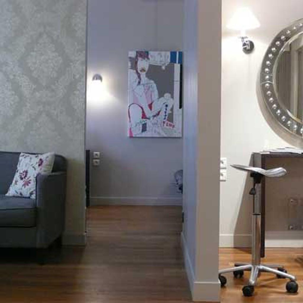 eric roman emoi les 15 meilleurs salons de coiffure parisiens elle. Black Bedroom Furniture Sets. Home Design Ideas