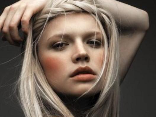 40 coiffures canon pour les visages ronds