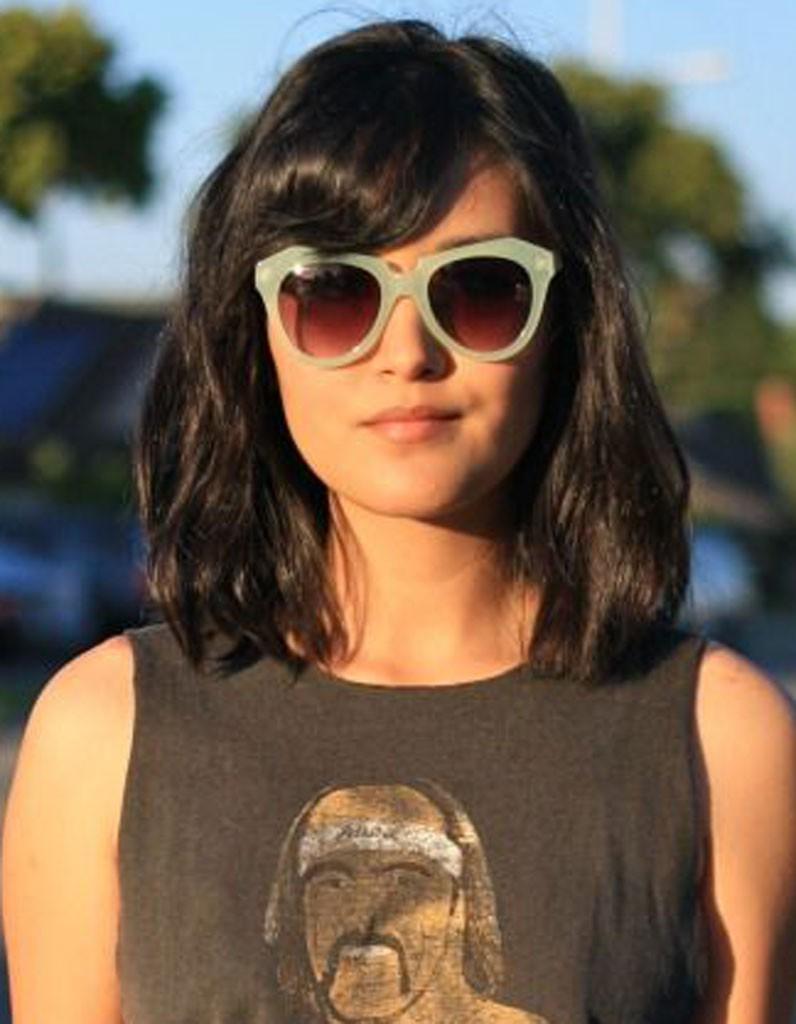 Coiffure visage rond lunettes - 40 coiffures canon pour les visages ronds - Elle