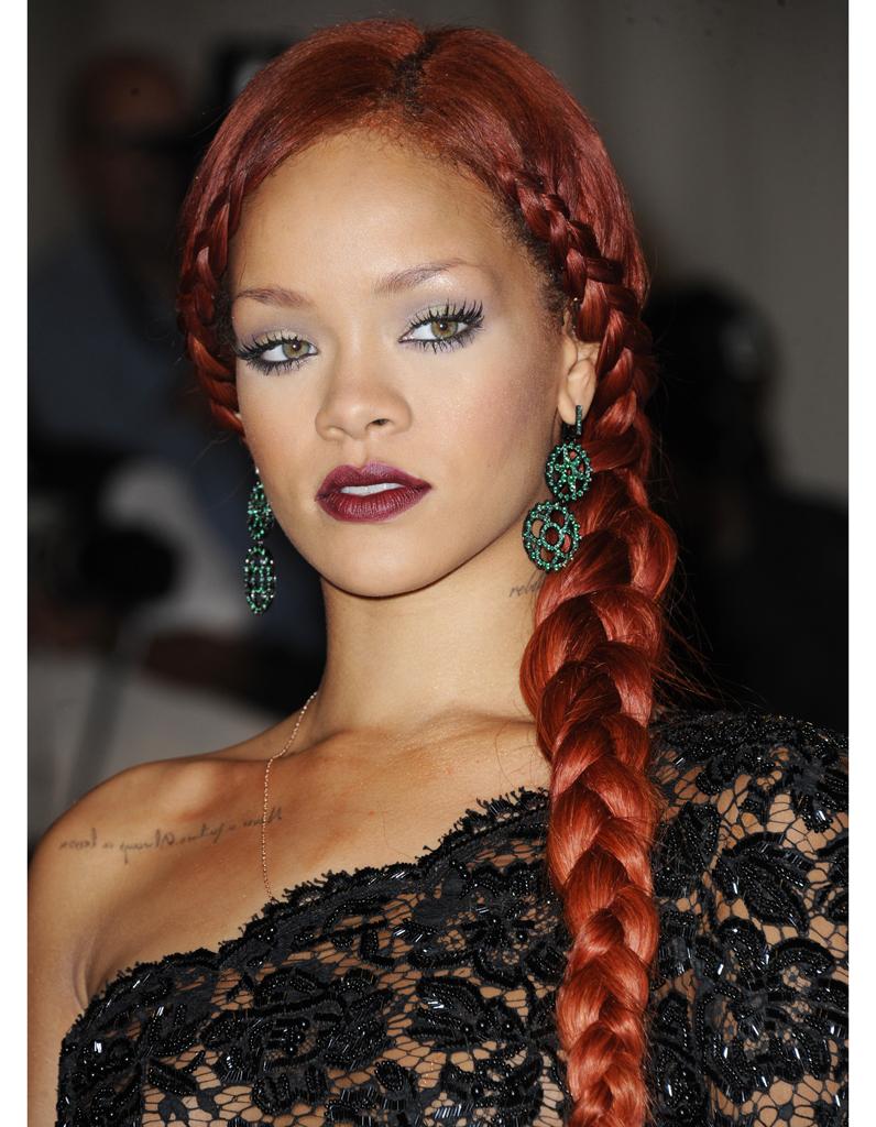 Tresse Rousse Coiffure Rihanna Toutes Ses Coupes En Images Elle