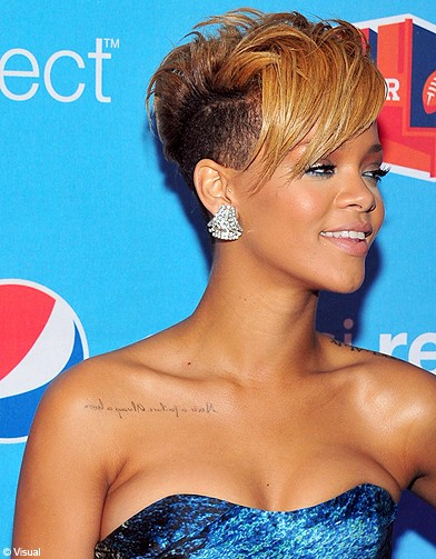 Coupe de cheveux rihanna umbrella