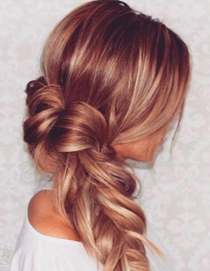 Balayage cuivré sur cheveux blonds foncés , Balayage cuivré  le reflet  chaud à adopter cette saison , Elle