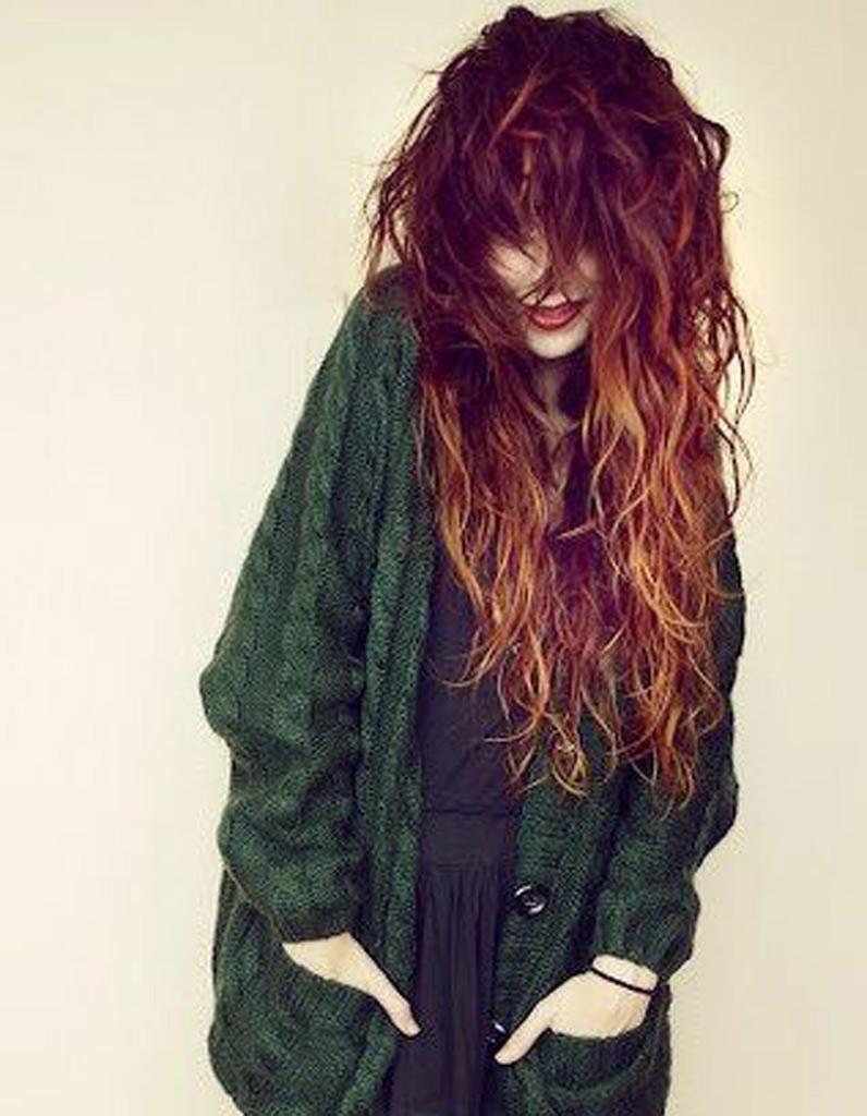 Cheveux longs frisés - Coiffure cheveux longs : des coupes de cheveux longs pour un look canon ...