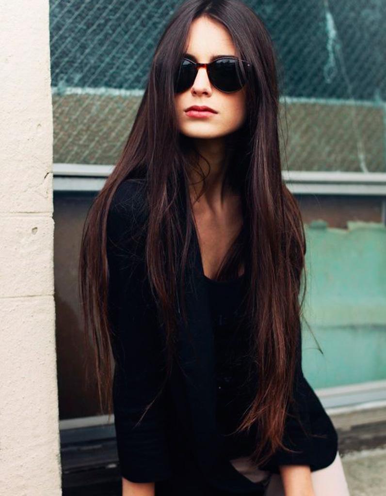 Coupe de cheveux long moderne femme