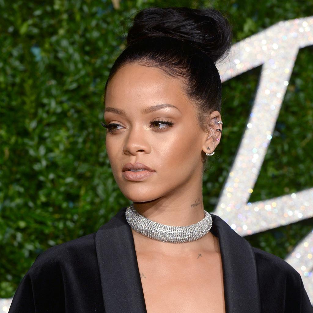 Le Chignon Bun De Rihanna Ces Chignons De Stars Qui Nous Inspirent