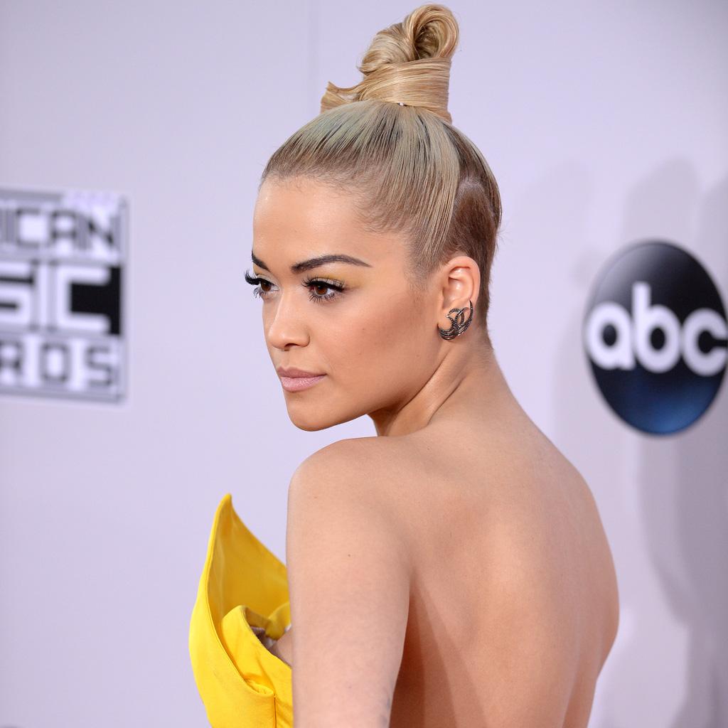 Le chignon design de Rita Ora - Ces chignons de stars qui nous inspirent... - Elle