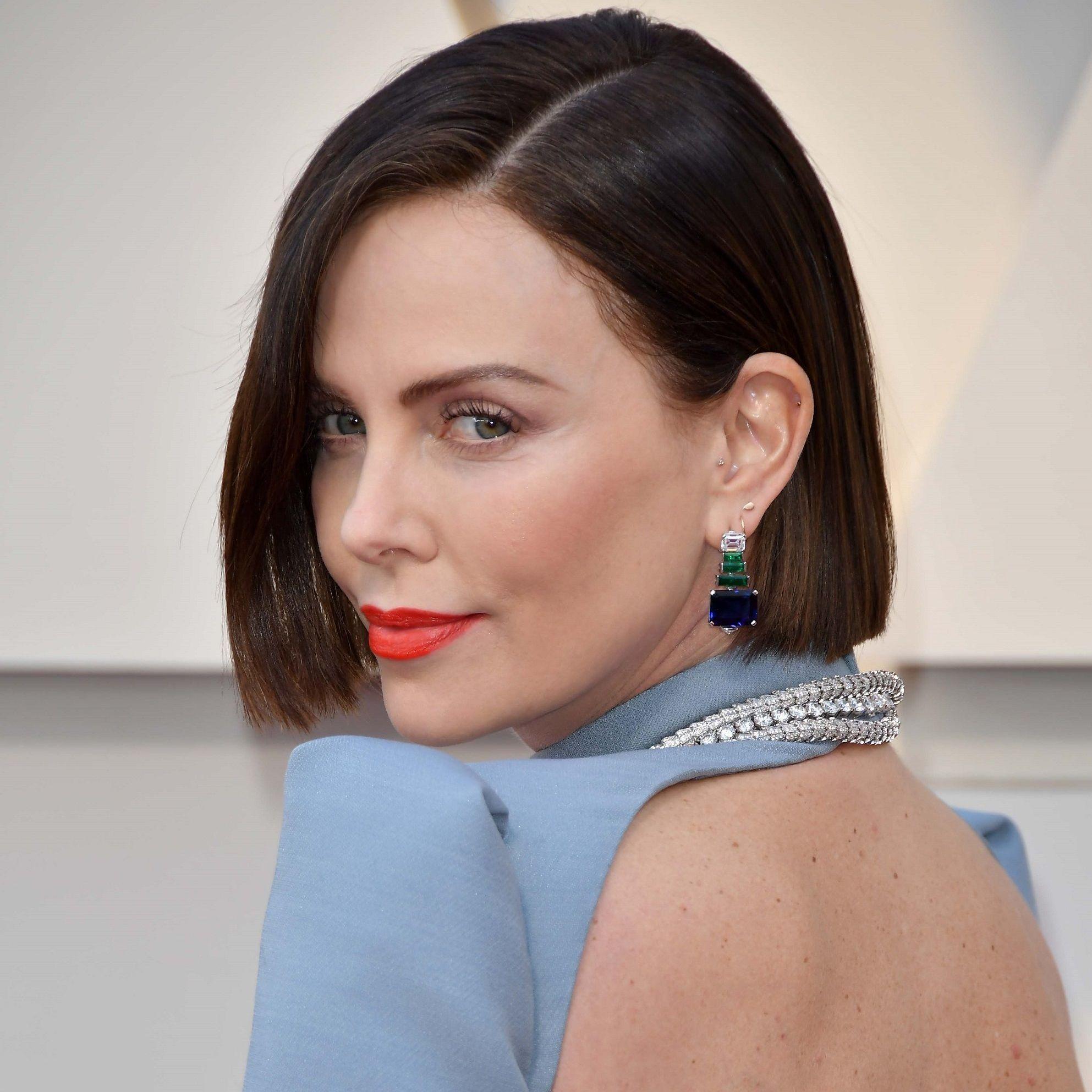 Oscars 2019 Charlize Theron Brune Que Pensez Vous De Sa Nouvelle Coiffure Elle