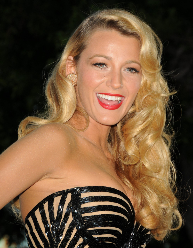 le blond dor de blake lively blondes c l bres 20. Black Bedroom Furniture Sets. Home Design Ideas