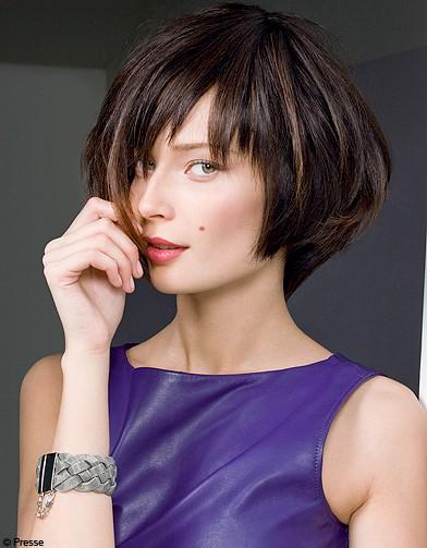 http://www.elle.fr/var/plain_site/storage/images/beaute/cheveux/tendances/cheveux-les-coiffures-de-l-hiver/beaute-tendance-cheveux-coiffure-dessange-carre-degrade/16420048-1-fre-FR/Beaute-tendance-cheveux-coiffure-Dessange-carre-degrade_reference.jpg