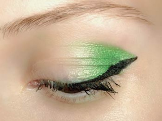 مكياج 2011 - ظل العيون   vert_galerie_princip