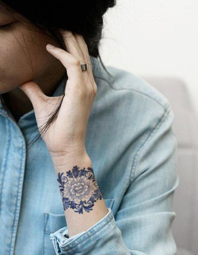 Idee Tatouage Une Manchette En Dentelle Les 40 Plus Beaux Tatouages De Pinterest Elle