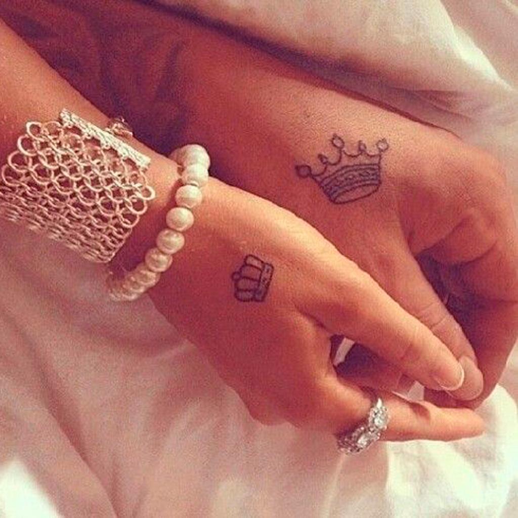 Tatouage Couple Couronne 15 Idees De Tatouages A Faire A Deux Elle