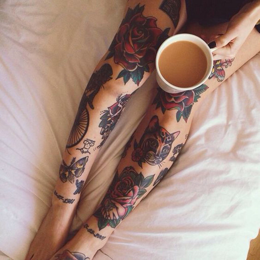 tatouage rose jambe - ces tatouages de rose qui ne faneront jamais