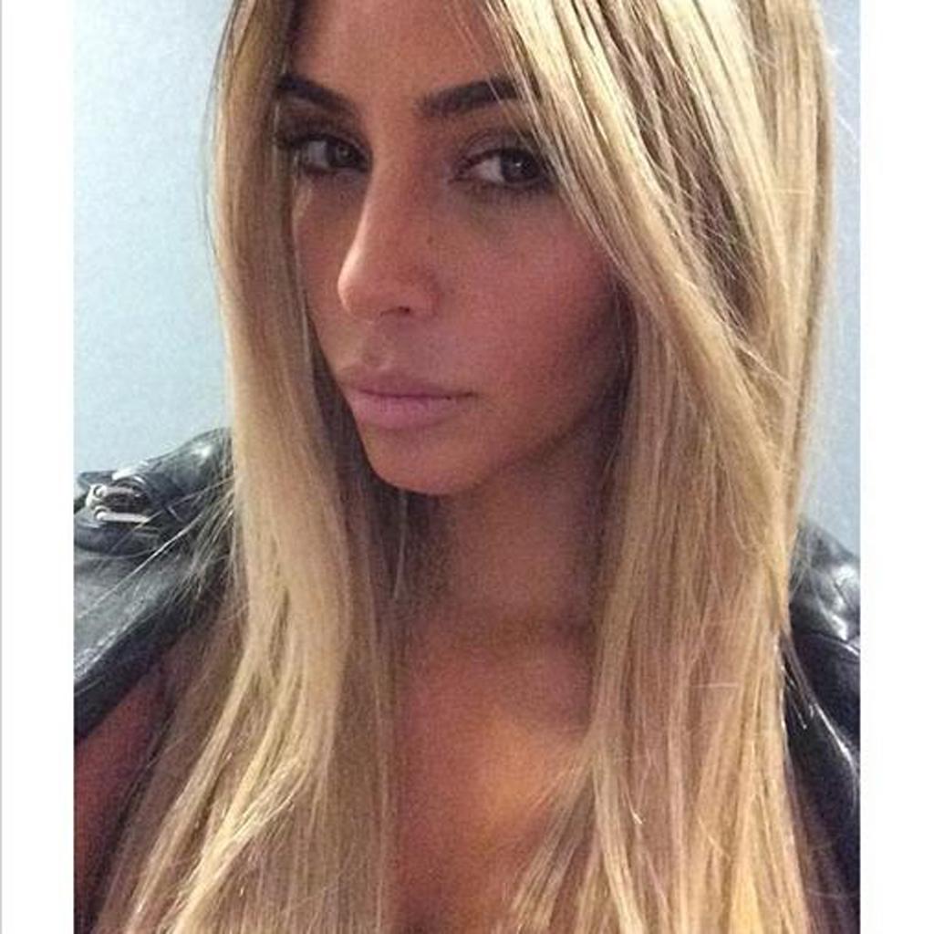 brune ou blonde kim kardashian a besoin d aide elle. Black Bedroom Furniture Sets. Home Design Ideas