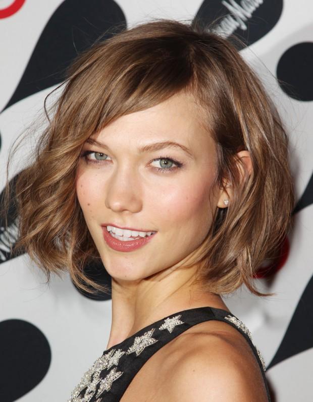 Le carré de Karlie Kloss élu it-coiffure 2013 - Elle