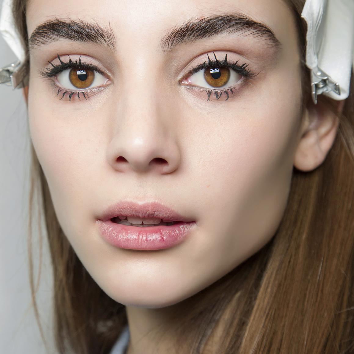 Le maquillage simple en photos