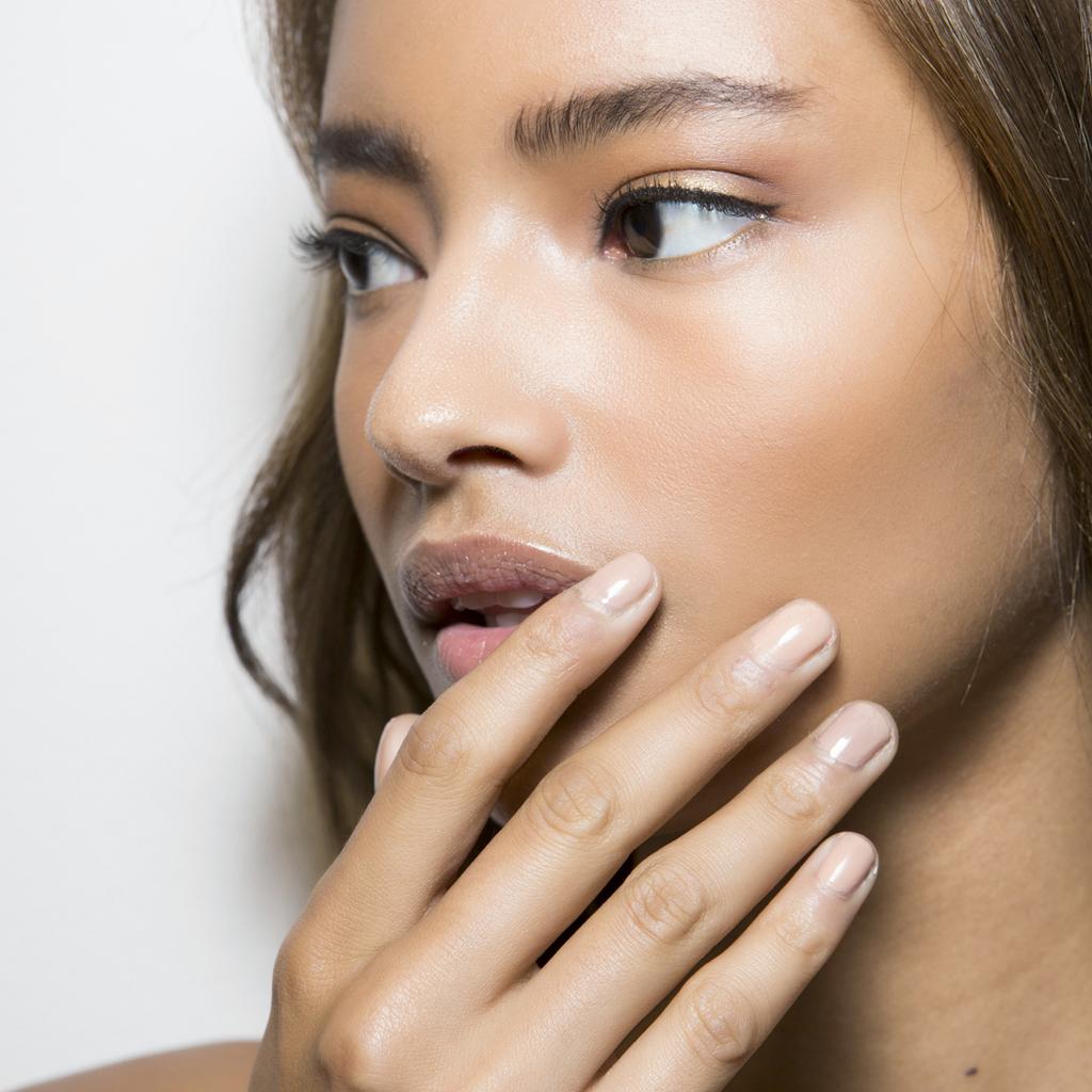 Manucure japonaise  tout savoir sur la la détox des ongles