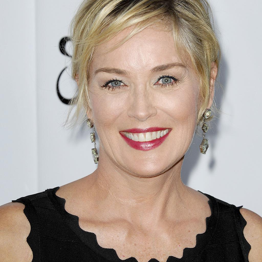 Cannes 2015 Sharon Stone Absente De L Amfar Elle