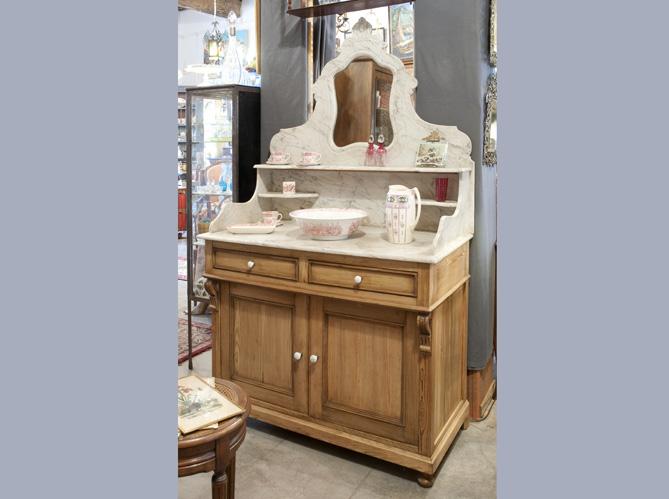 le meuble de toilette elle d coration. Black Bedroom Furniture Sets. Home Design Ideas