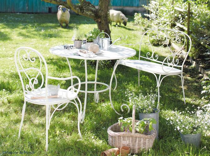 fer forg la touche rtro de votre mobilier de jardin elle dcoration - Salon De Jardin Fer