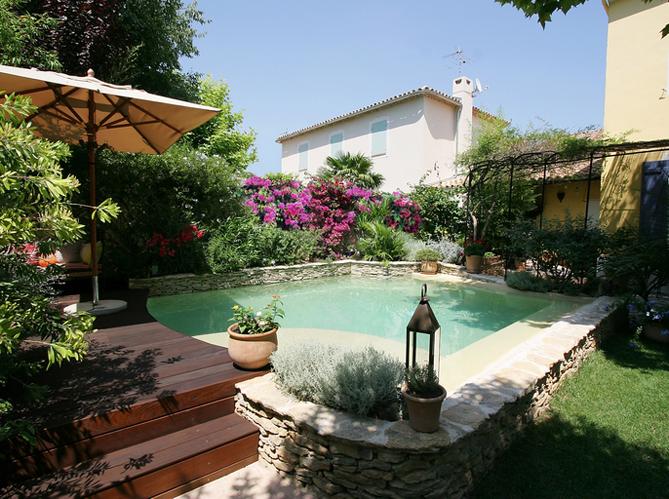 Quel jardin m diterran en pour ma piscine elle d coration - Deco exterieur jardin ...