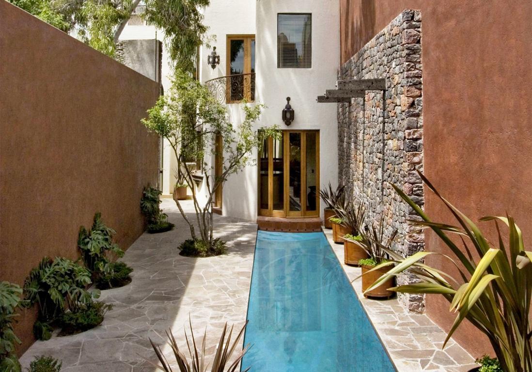 le couloir de nage, la super piscine des jardins en longueur - elle