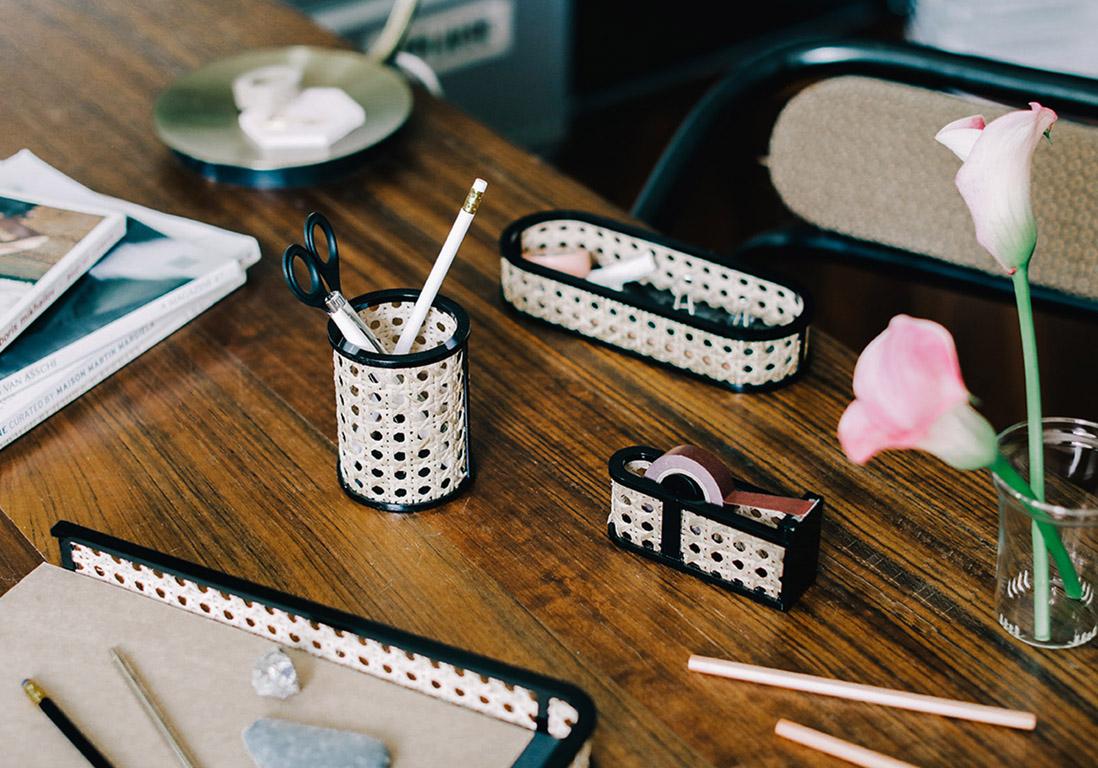 30 accessoires de bureau qui nous donneraient presque. Black Bedroom Furniture Sets. Home Design Ideas