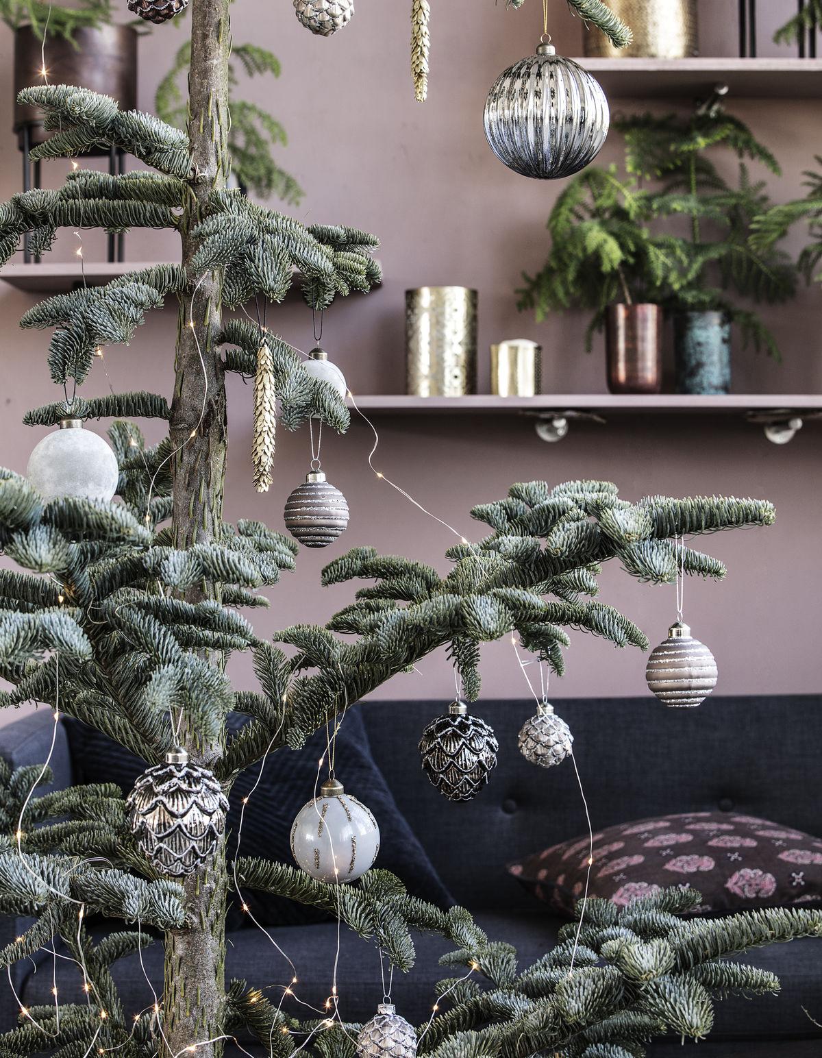 Sapin De Noel Decoration Traditionnelle comment décorer un sapin de noël - elle décoration