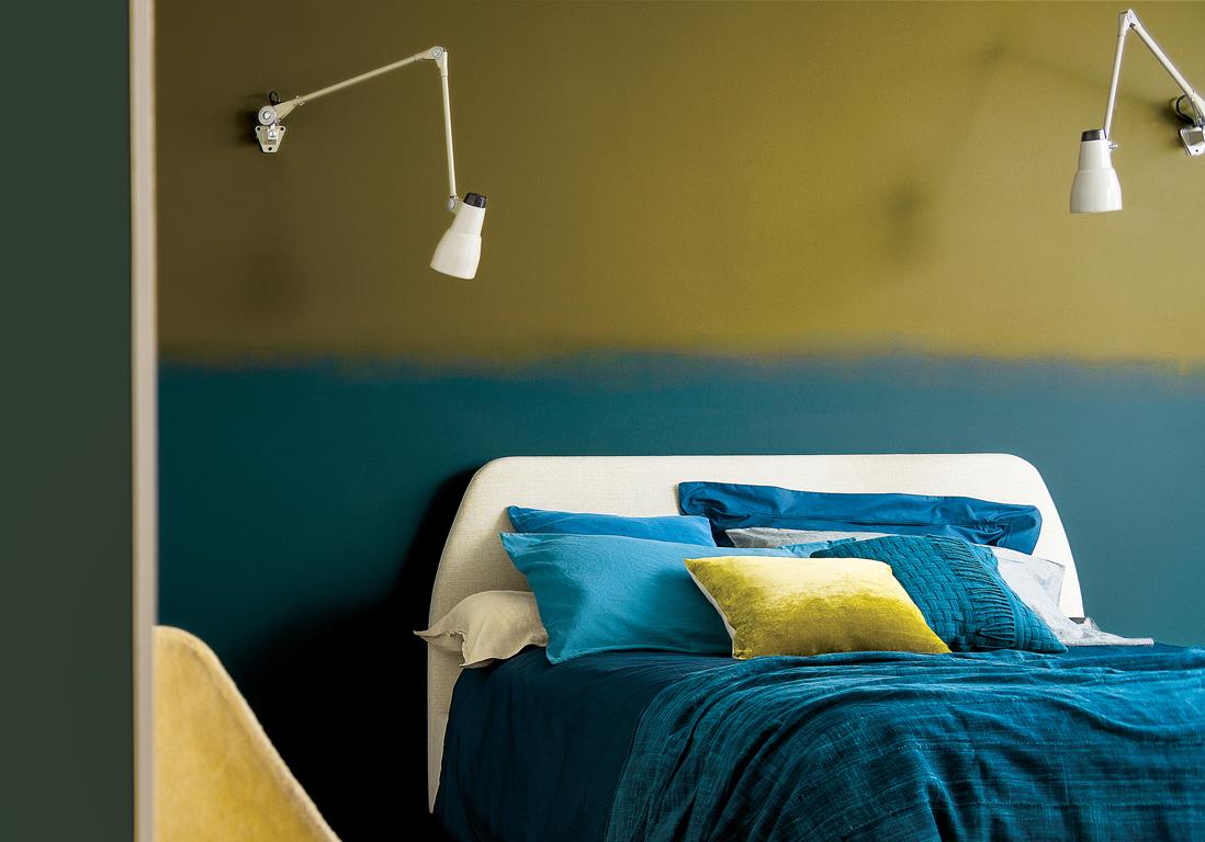 2 Couleurs Papier Peint Dans Une Chambre peindre un mur en deux couleurs : dynamisez vos espaces