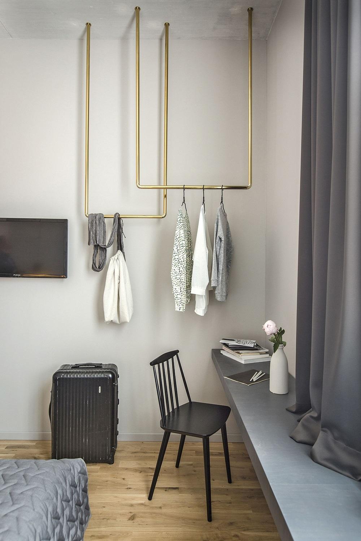 Pour Accrocher Les Vetements 12 idées de rangement pour remplacer l'armoire - elle décoration