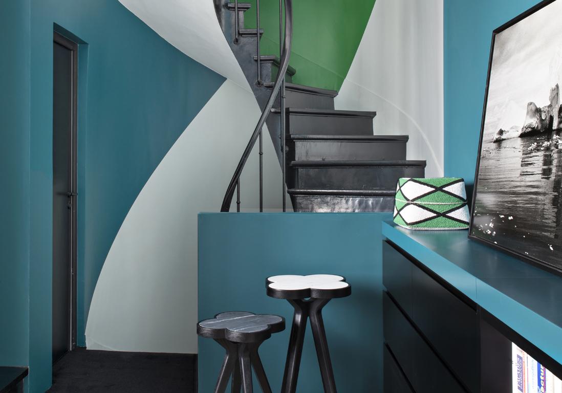 bleu, vert et noir, le trio de choc de cette maison pas comme les