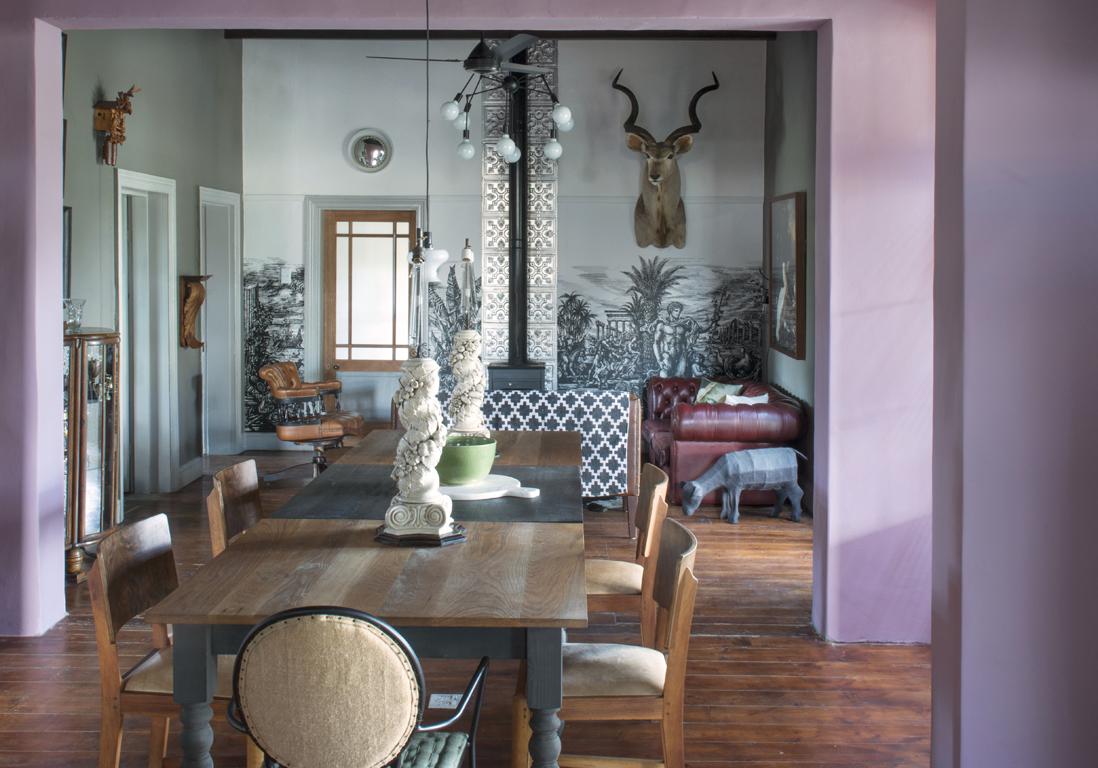cette maison bouleverse les codes du style victorien. Black Bedroom Furniture Sets. Home Design Ideas