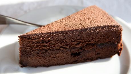 Gâteau au chocolat pour 6 personnes - Recettes Elle à Table - Elle ...