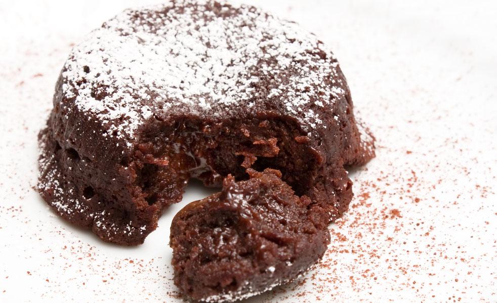 Moelleux Au Chocolat Facile Pour 8 Personnes Recettes Elle A Table