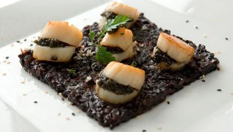 saint jacques au caviar et riz noir pour 2 personnes. Black Bedroom Furniture Sets. Home Design Ideas