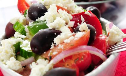 http://cdn-elle.ladmedia.fr/var/plain_site/storage/images/elle-a-table/import/recettes-ddf/salade-de-riz-a-la-feta-et-a-la-menthe-2057704/21975232-1-fre-FR/Salade-de-riz-a-la-feta-et-a-la-menthe.jpg