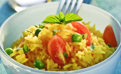 salade de riz safran au thon pour 6 personnes recettes. Black Bedroom Furniture Sets. Home Design Ideas