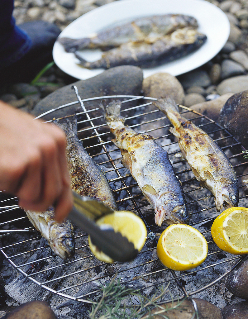 Préparer Un Barbecue Pour 20 Personnes barbecue party : 10 recettes originales pour réussir sa